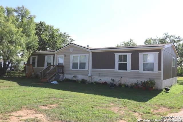 10203 Hackelberg Rd, Atascosa, TX 78002 (MLS #1552853) :: EXP Realty