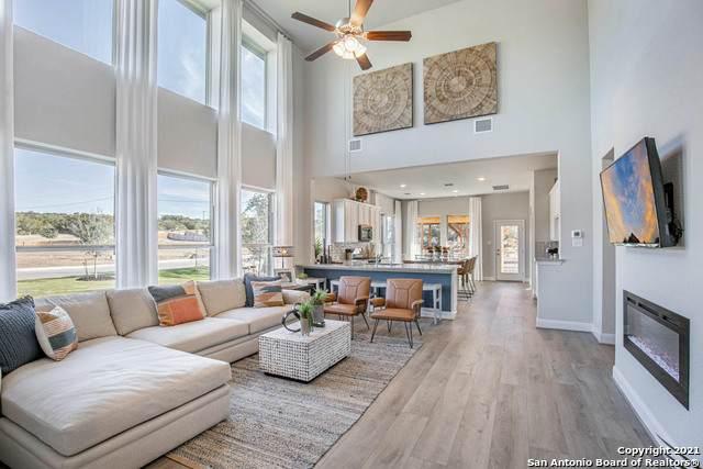 2912 Mindel Street, New Braunfels, TX 78130 (MLS #1552927) :: Beth Ann Falcon Real Estate