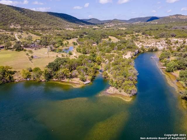 1043 Rio Hondo Rd, Tarpley, TX 78883 (MLS #1553084) :: Carter Fine Homes - Keller Williams Heritage