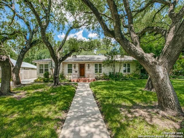 133 W Edgewood Pl, Alamo Heights, TX 78209 (MLS #1553089) :: The Lugo Group
