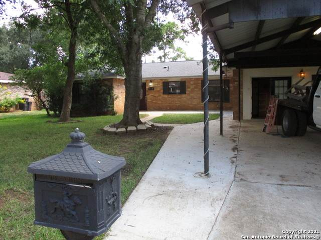 420 William Drive, Pearsall, TX 78061 (MLS #1553194) :: Concierge Realty of SA