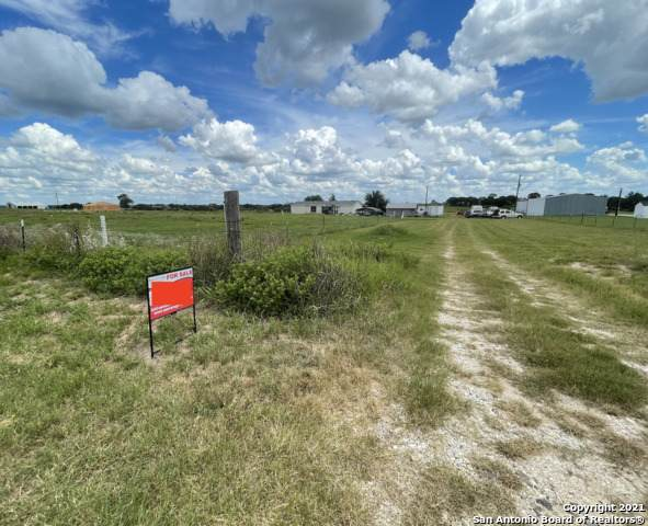 140 Santa Gertrudis Dr, Sutherland Springs, TX 78161 (MLS #1553920) :: Phyllis Browning Company