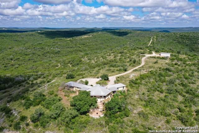 2028 Private Road 2414, Hondo, TX 78861 (MLS #1553995) :: Texas Premier Realty