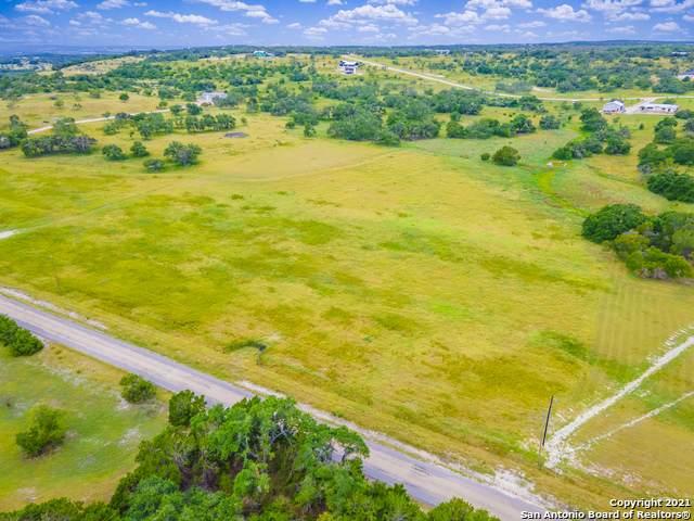 4 Grape Creek Rd, Fredericksburg, TX 78624 (MLS #1554154) :: Beth Ann Falcon Real Estate