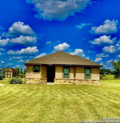1302 Sand Branch Rd, Bigfoot, TX 78005 (MLS #1554189) :: Beth Ann Falcon Real Estate