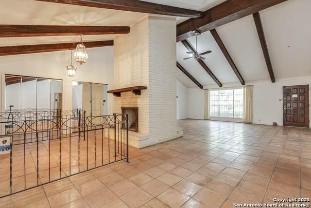 232 Meadowbrook Dr, Hollywood Pa, TX 78232 (MLS #1554378) :: BHGRE HomeCity San Antonio