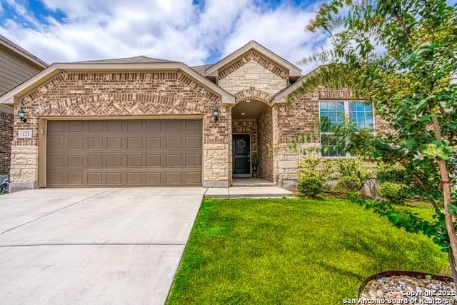 121 Aberdeen, Boerne, TX 78015 (MLS #1554469) :: Beth Ann Falcon Real Estate
