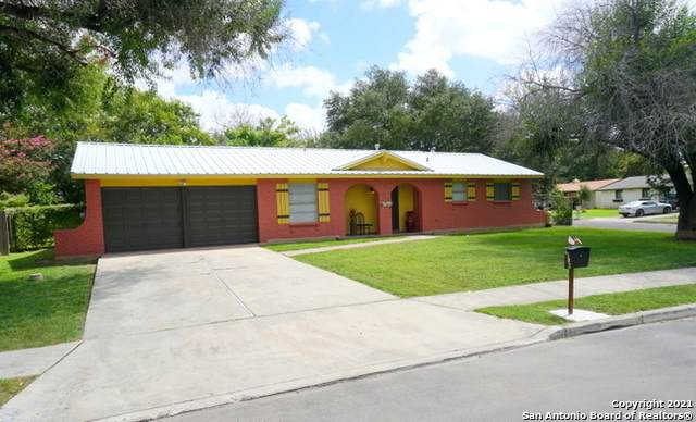 6503 Hoofs Ln, San Antonio, TX 78240 (MLS #1554949) :: The Glover Homes & Land Group