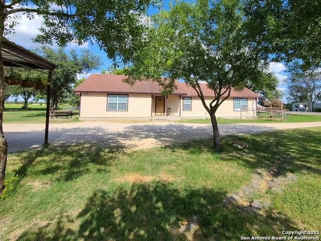 17475 Fm 463, Natalia, TX 78059 (MLS #1555166) :: Texas Premier Realty