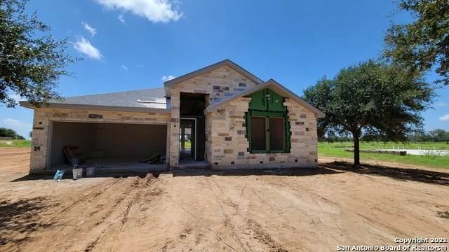 108 W Short Meadow Dr, Lytle, TX 78052 (MLS #1555267) :: Exquisite Properties, LLC