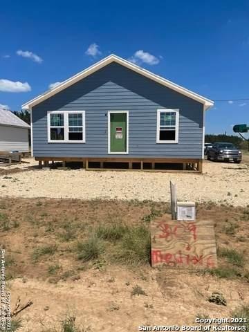 309 Medina, Bandera, TX 78003 (MLS #1555299) :: Exquisite Properties, LLC