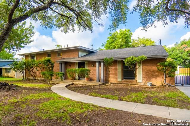 321 Towne Vue Dr, Castle Hills, TX 78213 (MLS #1555557) :: Santos and Sandberg