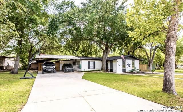 601 Monticello Cir, Devine, TX 78016 (MLS #1555579) :: EXP Realty