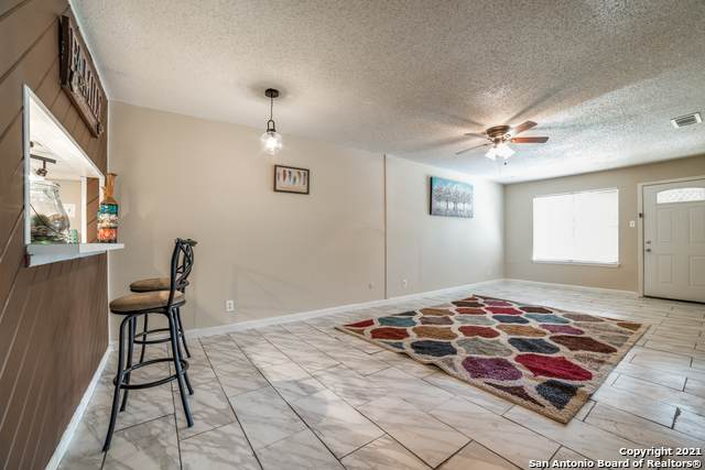 1051 Country Club Dr C-10, Seguin, TX 78155 (MLS #1555586) :: The Lopez Group