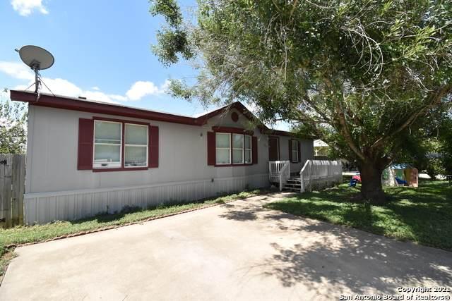 563 Northgate Cir, New Braunfels, TX 78130 (MLS #1555978) :: The Glover Homes & Land Group