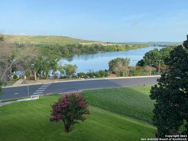 1012 Guadalupe St 5G2, Kerrville, TX 78028 (MLS #1556054) :: Carter Fine Homes - Keller Williams Heritage