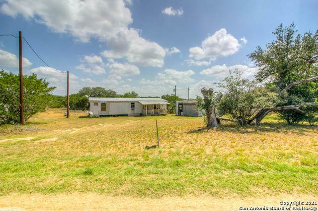 133 Scenic Loop, Pipe Creek, TX 78063 (MLS #1556658) :: Neal & Neal Team