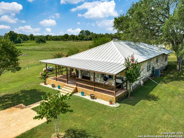 17188 Wildhorse Pass, Marion, TX 78124 (MLS #1557086) :: The Lopez Group