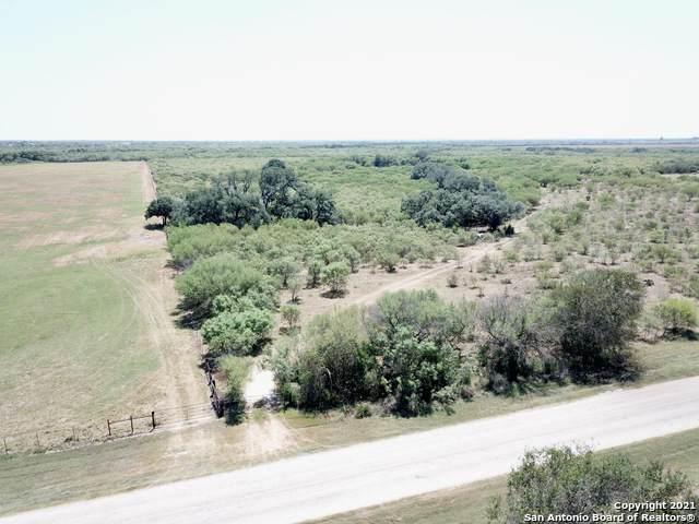 711 Bluntzer Rd, Jourdanton, TX 78026 (MLS #1557130) :: EXP Realty