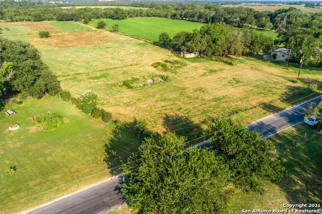 525 Dry Hollow Rd., La Vernia, TX 78121 (MLS #1557170) :: Concierge Realty of SA