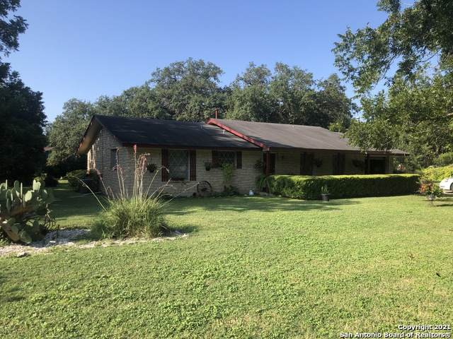 10140 Commerce St, Atascosa, TX 78002 (MLS #1557215) :: Exquisite Properties, LLC