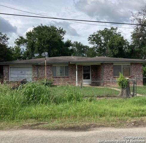 649 Roosevelt, Waelder, TX 78959 (MLS #1557258) :: Alexis Weigand Real Estate Group