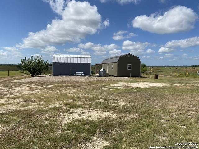 15619 Fm 471 S, Devine, TX 78016 (MLS #1557309) :: Texas Premier Realty