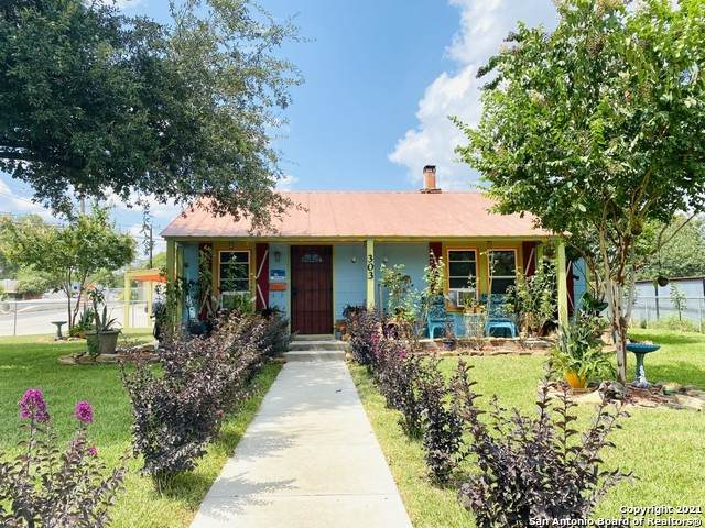 303 Cravens Ave, San Antonio, TX 78223 (MLS #1557470) :: The Glover Homes & Land Group
