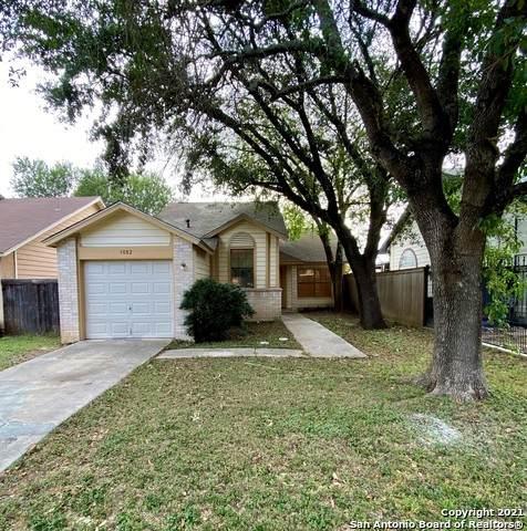 3082 Beacon Field, San Antonio, TX 78245 (MLS #1557519) :: Santos and Sandberg