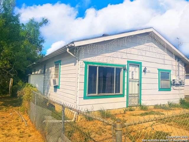 201 Coronado, Cotulla, TX 78014 (MLS #1557532) :: The Glover Homes & Land Group