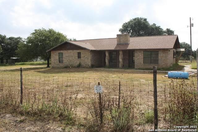 4975 Fm 2504, Poteet, TX 78065 (MLS #1557651) :: Real Estate by Design