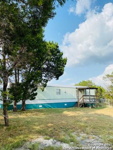 1107 Hedgestone, Canyon Lake, TX 78133 (MLS #1557667) :: Texas Premier Realty