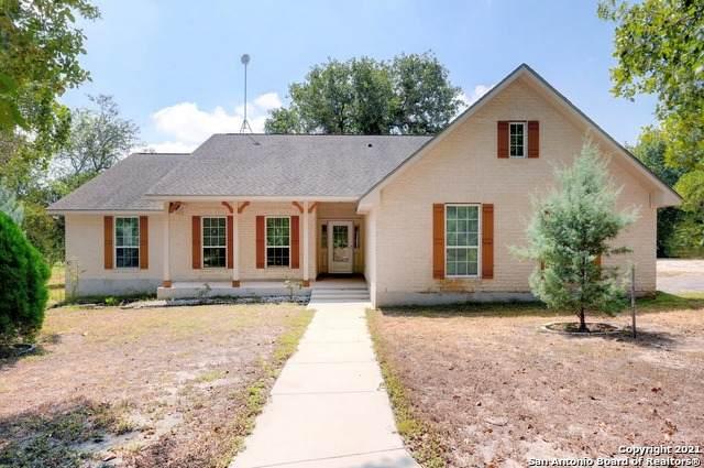 177 County Road 6870, Natalia, TX 78059 (MLS #1557845) :: Exquisite Properties, LLC