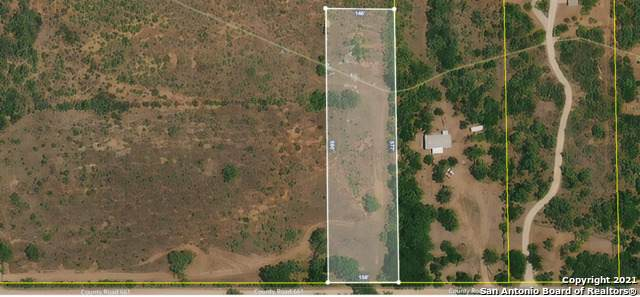 420 County Road 661, Devine, TX 78016 (MLS #1557982) :: The Glover Homes & Land Group