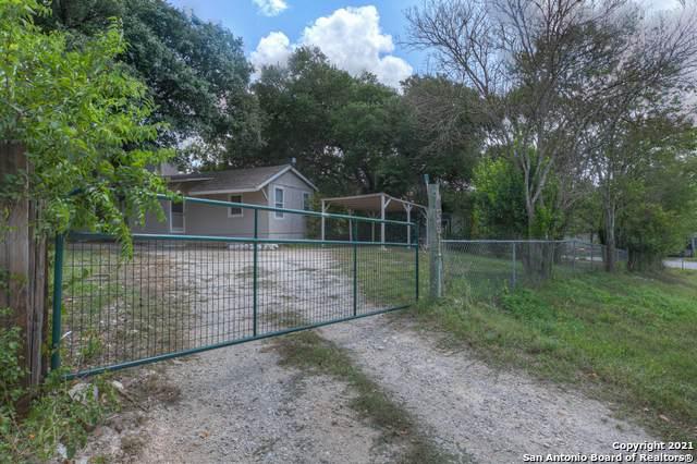 939 Grandview Bend, Canyon Lake, TX 78133 (MLS #1558010) :: HergGroup San Antonio Team