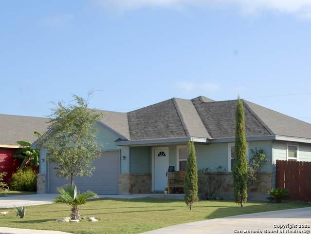 509 Indian Crossing, Jourdanton, TX 78026 (MLS #1558090) :: The Gradiz Group