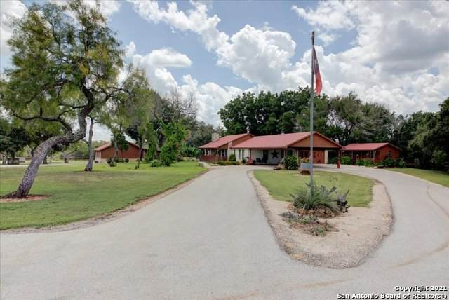 541 County Road 4621, Hondo, TX 78861 (MLS #1558153) :: Texas Premier Realty