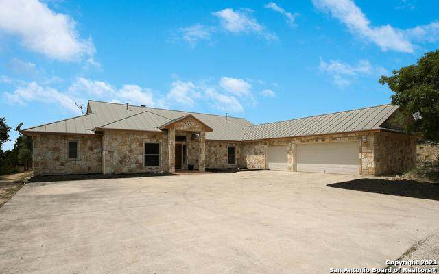 752 Willow Springs Dr, Pipe Creek, TX 78063 (MLS #1558199) :: Phyllis Browning Company