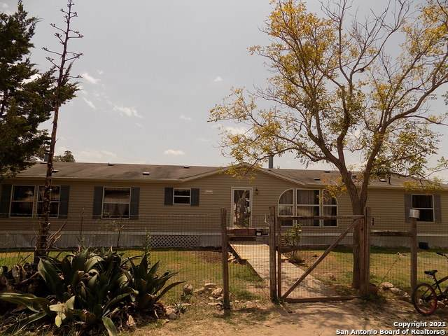 1930 Oil Well Rd, Pipe Creek, TX 78063 (MLS #1558230) :: Phyllis Browning Company