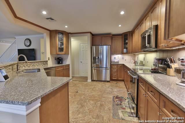 11807 Brandon Oaks, San Antonio, TX 78253 (MLS #1558319) :: Santos and Sandberg