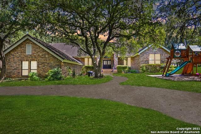 7825 Sweetwind Cir, Fair Oaks Ranch, TX 78015 (MLS #1558626) :: Sheri Bailey Realtor
