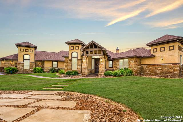 101 Grandview, Floresville, TX 78114 (MLS #1558931) :: EXP Realty