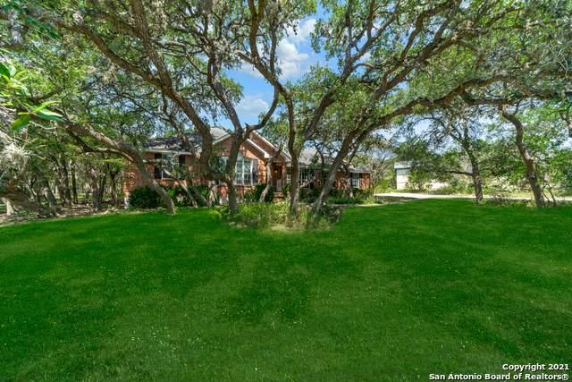 155 Suncrest Dr, New Braunfels, TX 78132 (MLS #1558951) :: The Gradiz Group
