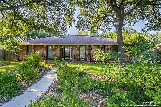 2207 Pebble Crest Cir, San Antonio, TX 78231 (MLS #1559000) :: Phyllis Browning Company