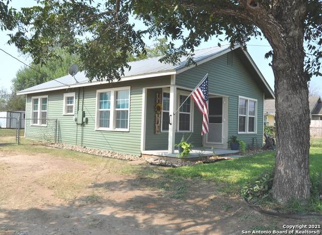 611 Mc Annely Ave, Devine, TX 78016 (MLS #1559153) :: EXP Realty