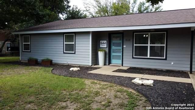 608 Kristofer St, Fredericksburg, TX 78624 (MLS #1559155) :: The Glover Homes & Land Group