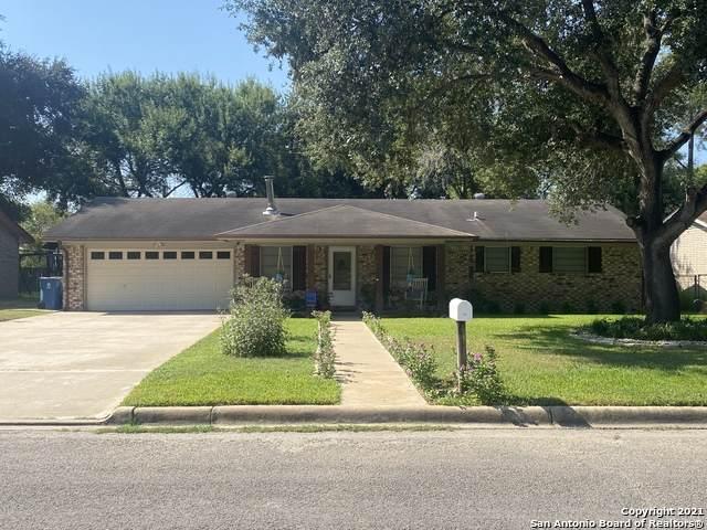 919 Hillcrest Dr, Pleasanton, TX 78064 (MLS #1559162) :: Vivid Realty