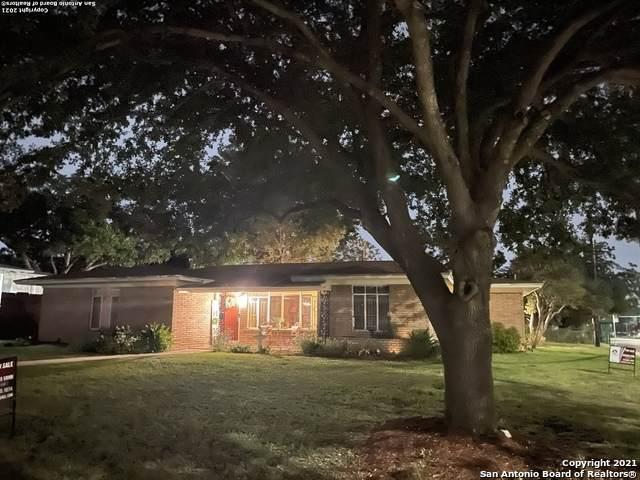 454 Concord Pl, San Antonio, TX 78201 (MLS #1559230) :: Alexis Weigand Real Estate Group