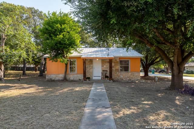 19332 S Bank St, Lytle, TX 78052 (MLS #1559235) :: Vivid Realty