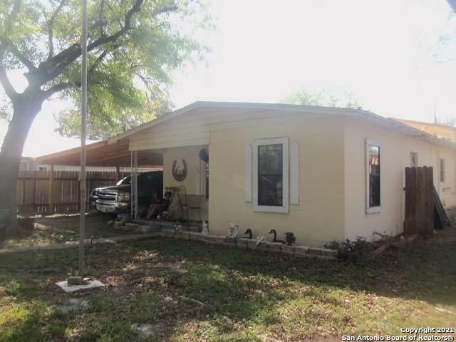404 Polk Ave, Sabinal, TX 78881 (MLS #1559270) :: Exquisite Properties, LLC